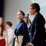 Члены Экспертного совета клуба Terra Incognita вручают свой приз в номинации «Мир фэнтези»